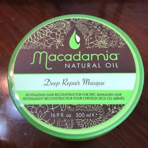 Macadmia Natural Oil